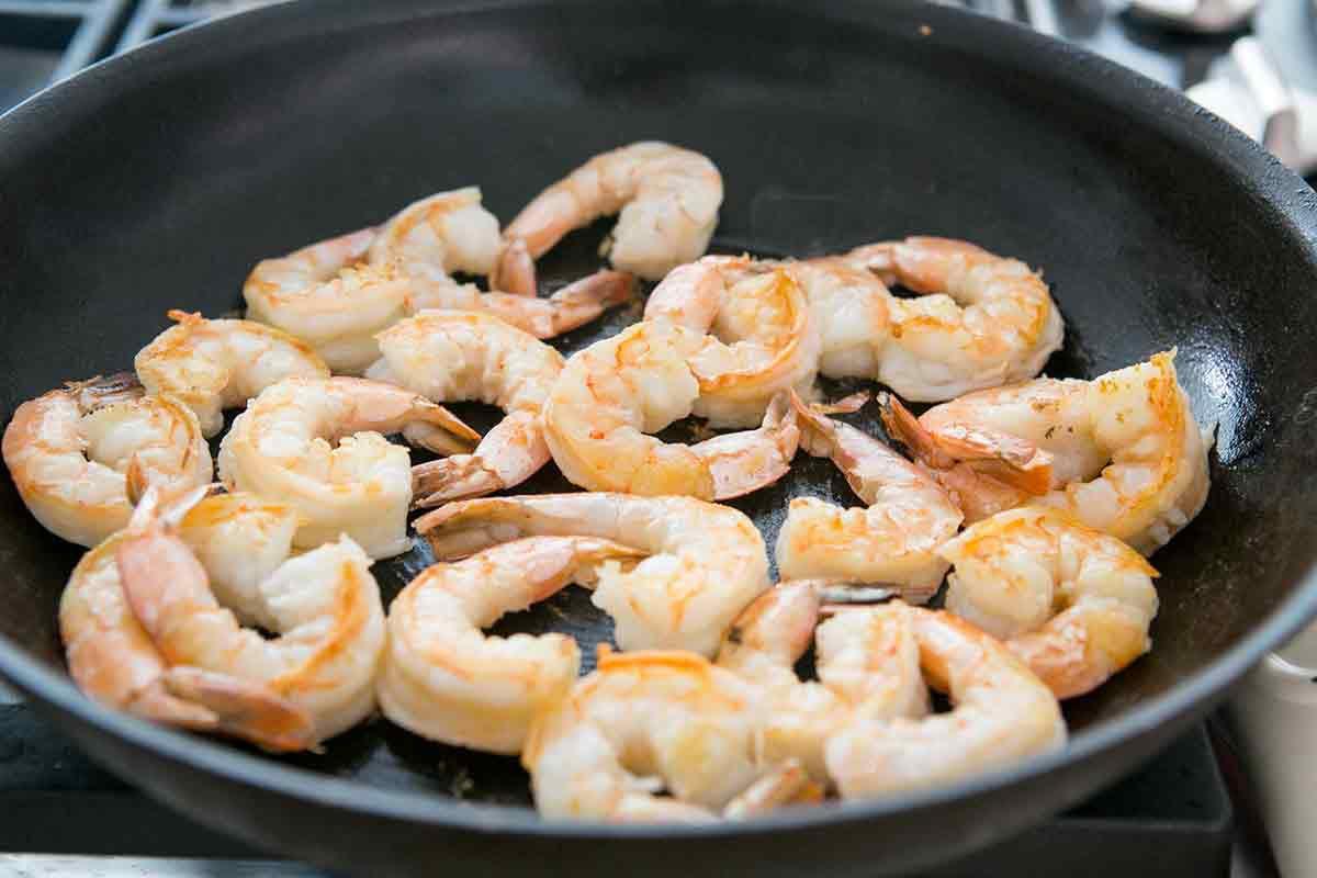 sauteed-shrimp-tropical-salsa-method-3