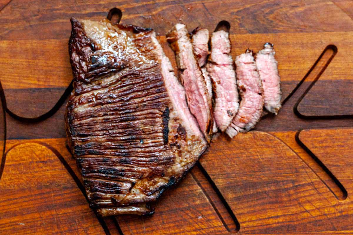 Weeknight Noodle Bowls - sliced steak