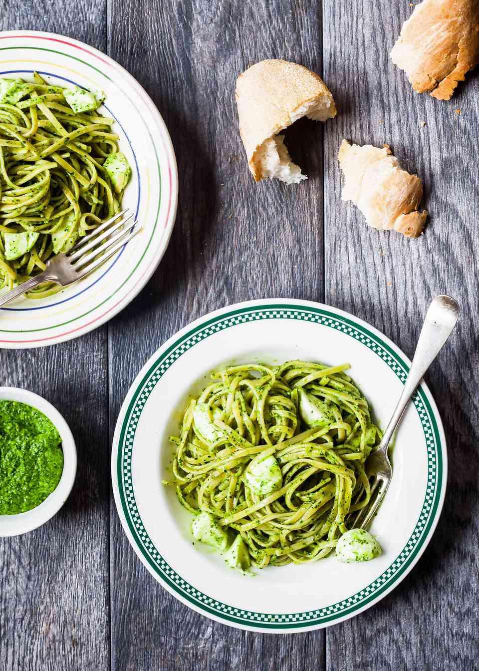 Whole Wheat Pasta with Kale Pesto