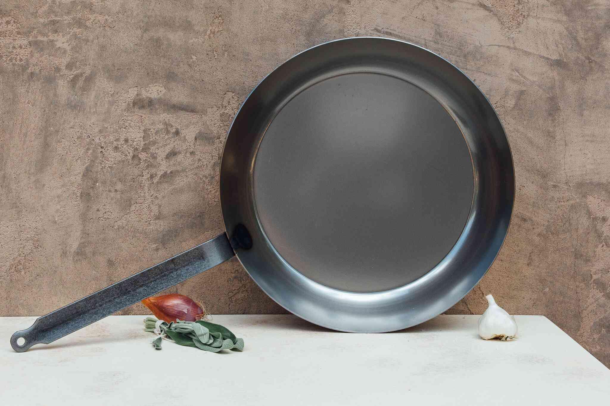 Matfer Bourgeat Black Steel Round Fry Pan