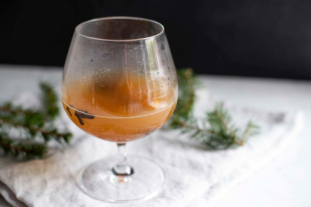 hot toddy recipe with spices apple cider and bourbon