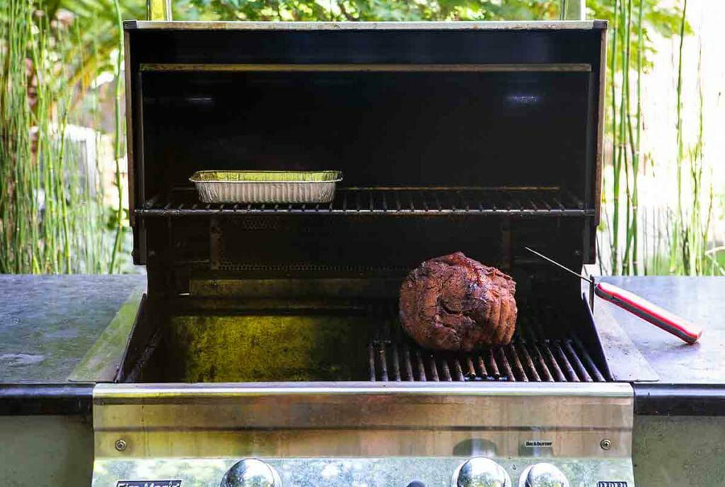 gas grill set up for barbecuing