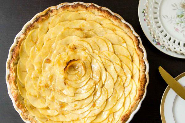 Paleo and Gluten-Free Apple Tart