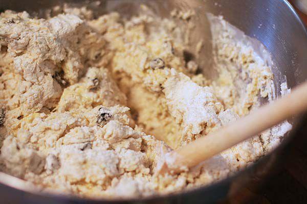 make the dough for irish soda bread