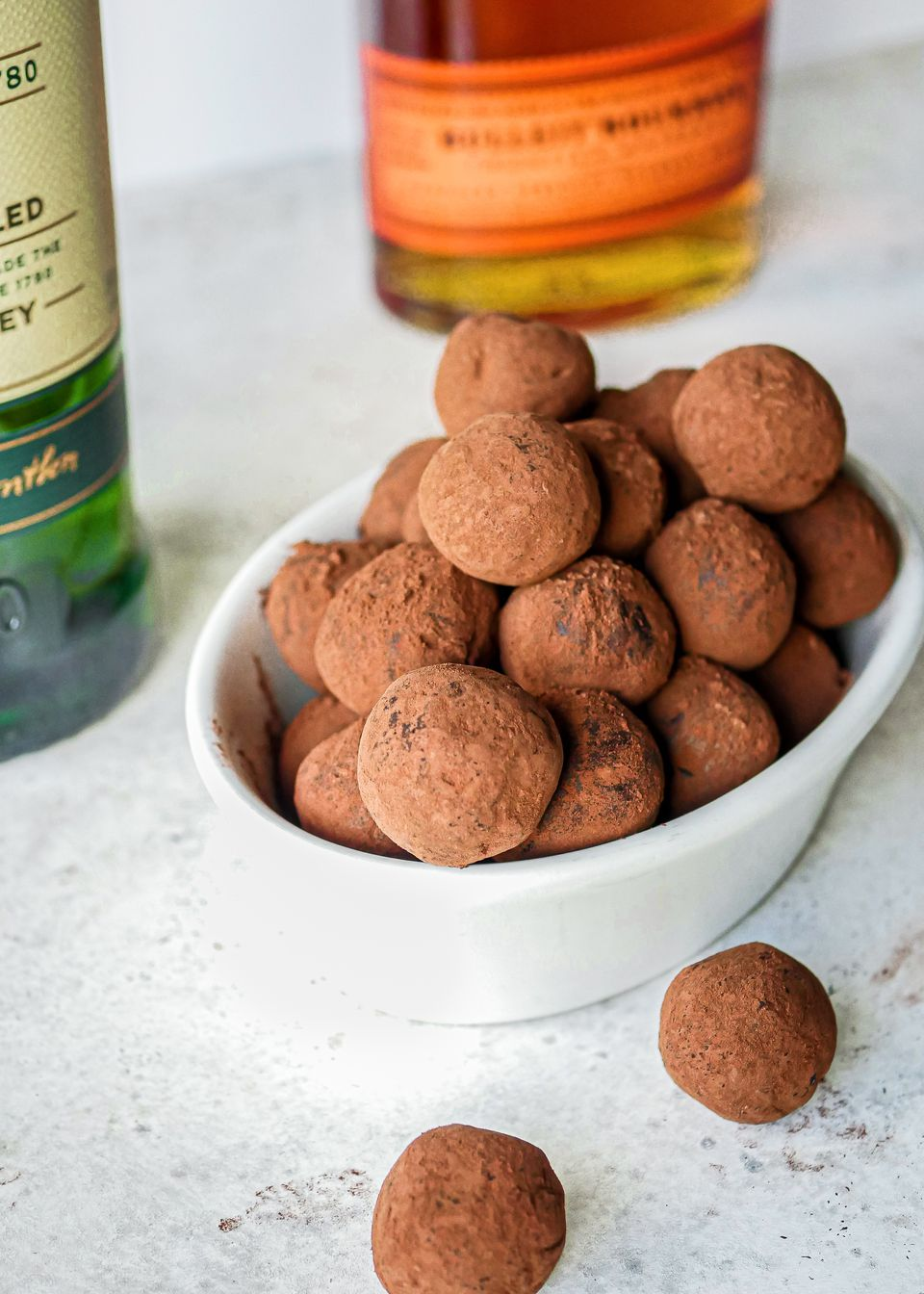 Easy Homemade Whiskey Truffles made with whiskey.