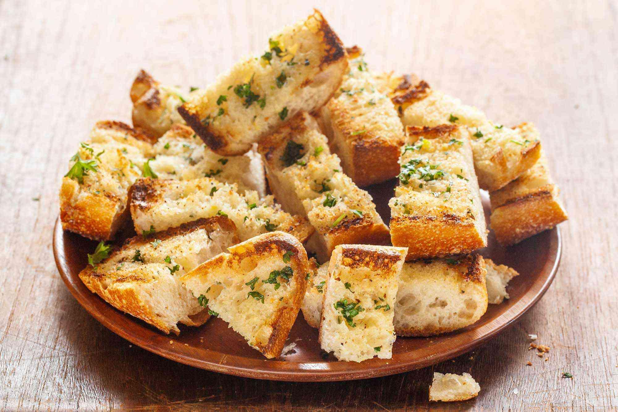 Best Garlic bread on a round plate