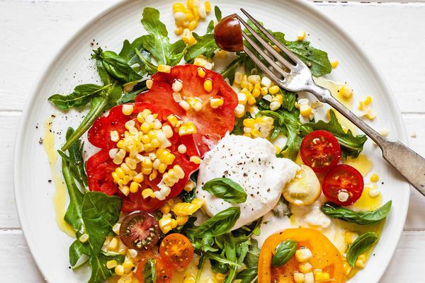 Summer Salad with Tomatoes and Corn