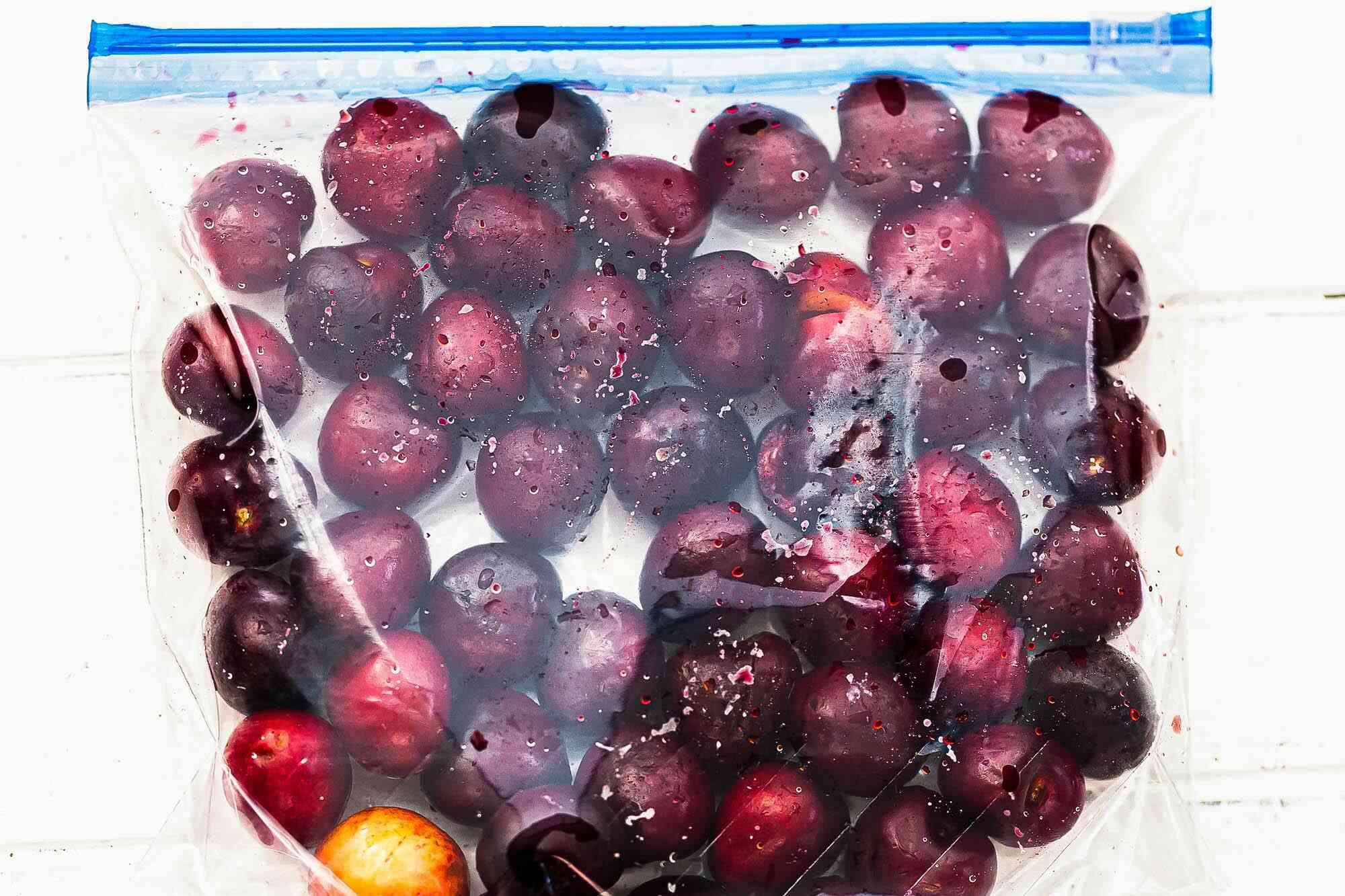 A ziplock bag of cherries for a guide to cherries.