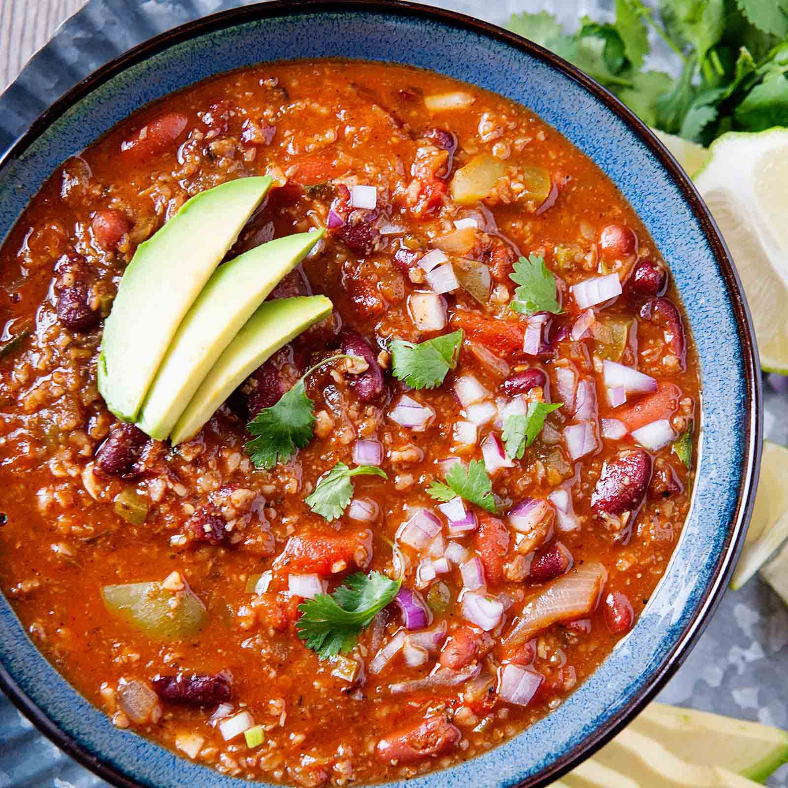Easy Vegetarian Chili Even Meat Eaters Love