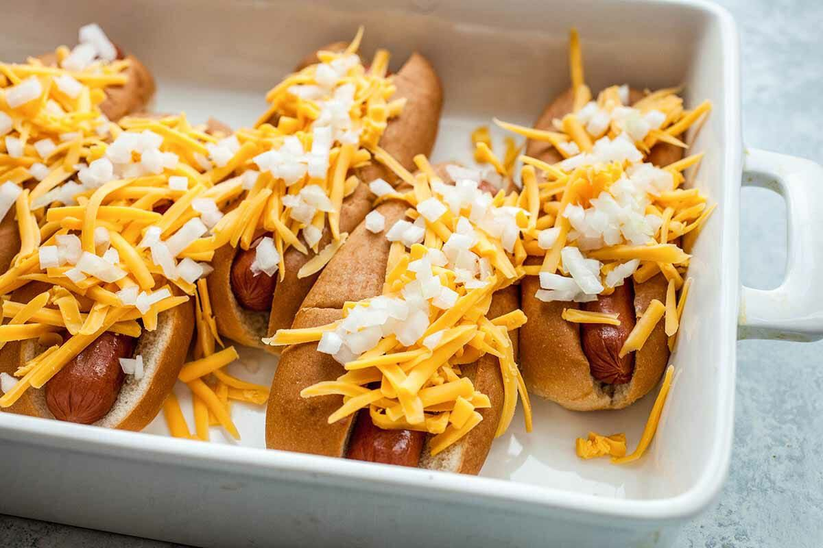 Hot Dog Recipe with Cheese assemble the dogs
