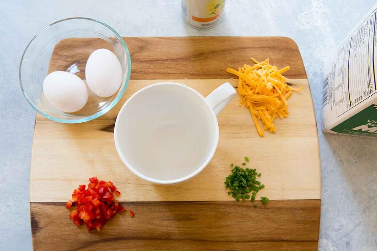 Microwave Omelette in a Mug - easy omelette recipe