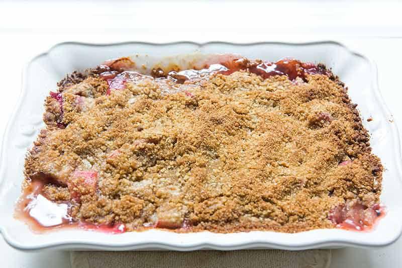 rhubarb-crumble-method-3