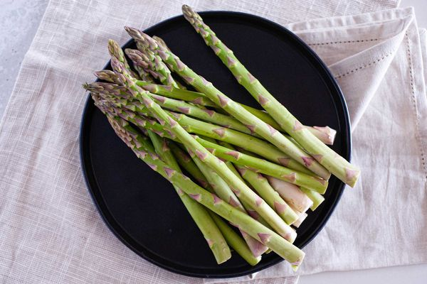 thick asparagus pile
