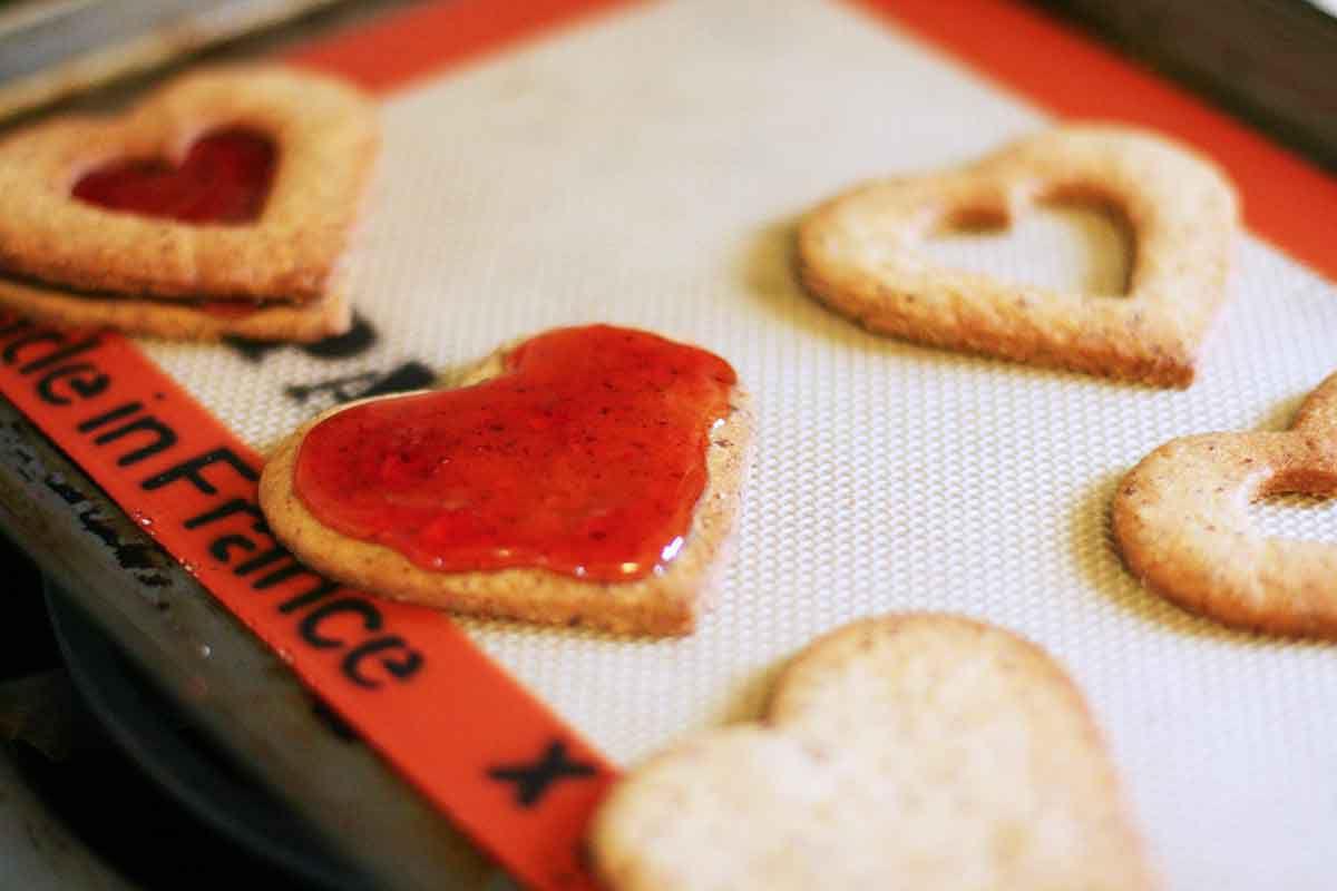 valentine-linzer-cookies-method-4