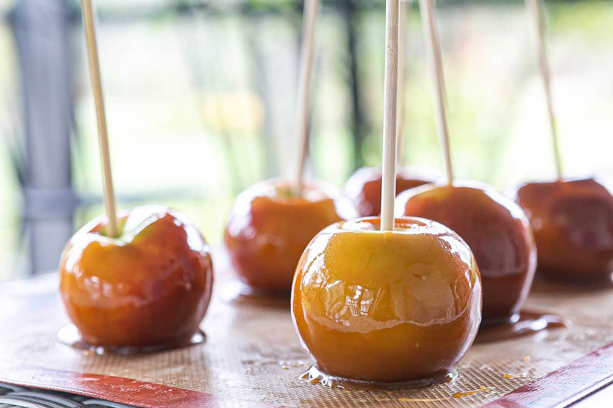 Caramel Apples Recipe apples just dipped in caramel
