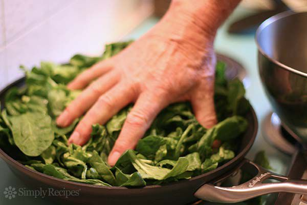 fresh spinach to saute