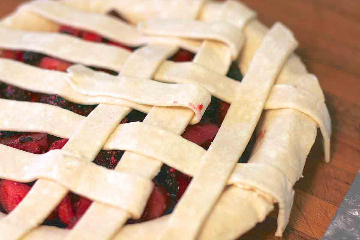rhubarb berry pie lattice crust