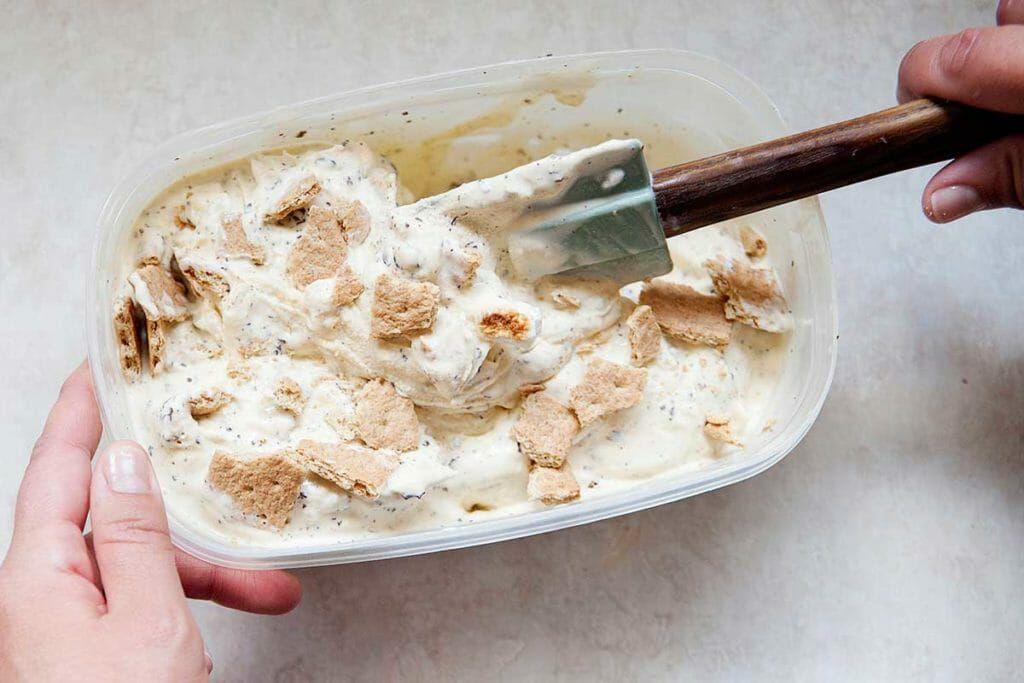 How to make Ice Cream - folding graham crackers into ice cream