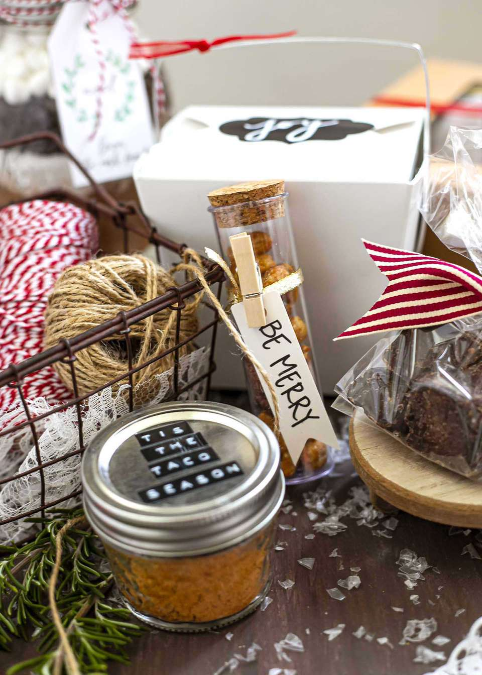 wrapping up holiday edible food gifts