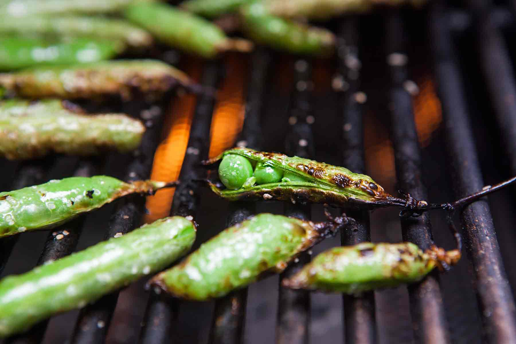 How to Grill English Peas