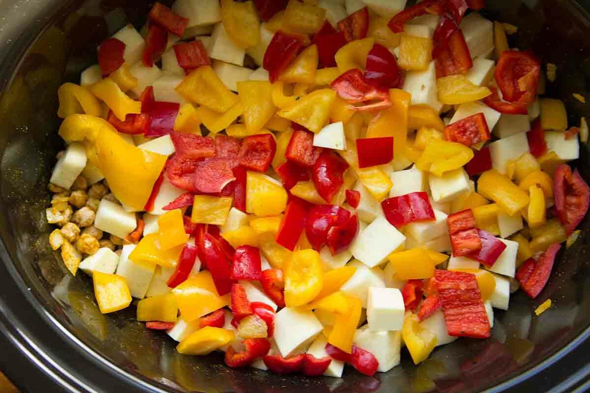 bell peppers in the slow cooker for chickpea curry