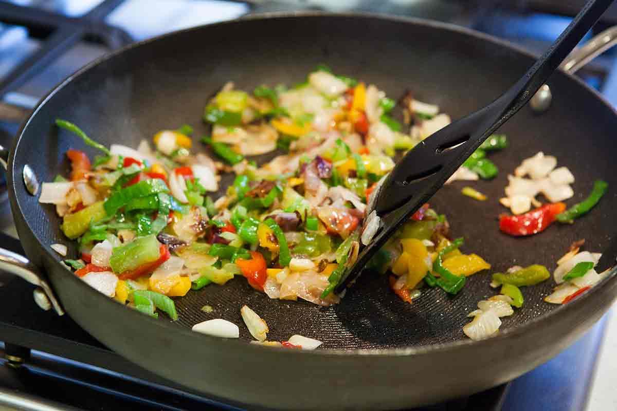 ground turkey recipes: ground turkey and peppers
