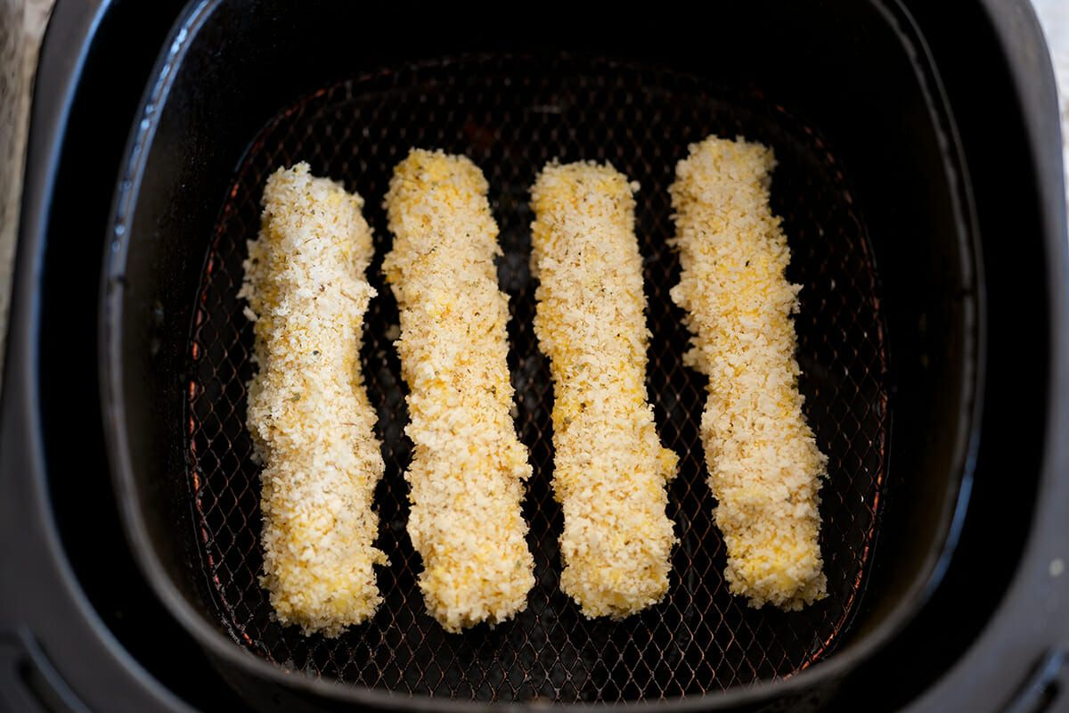 Cheese sticks in air fryer transfer to air fryer