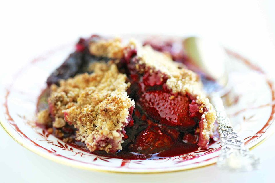 Berry Almond Crumble