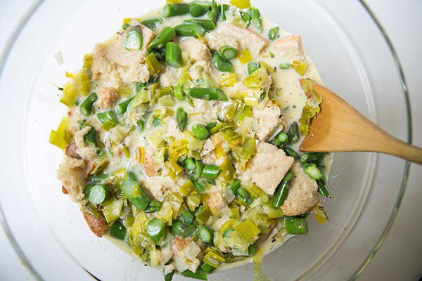 breakfast-casserole-leeks-asparagus-method-600-7