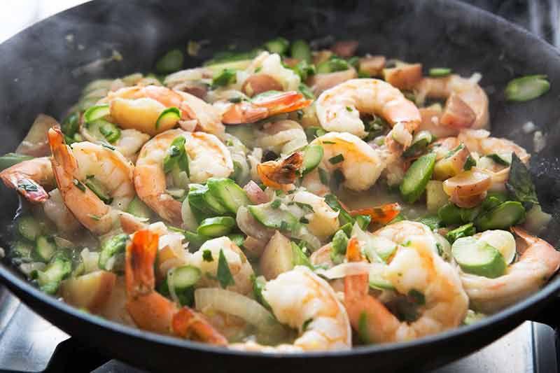skillet-shrimp-asparagus-method-5