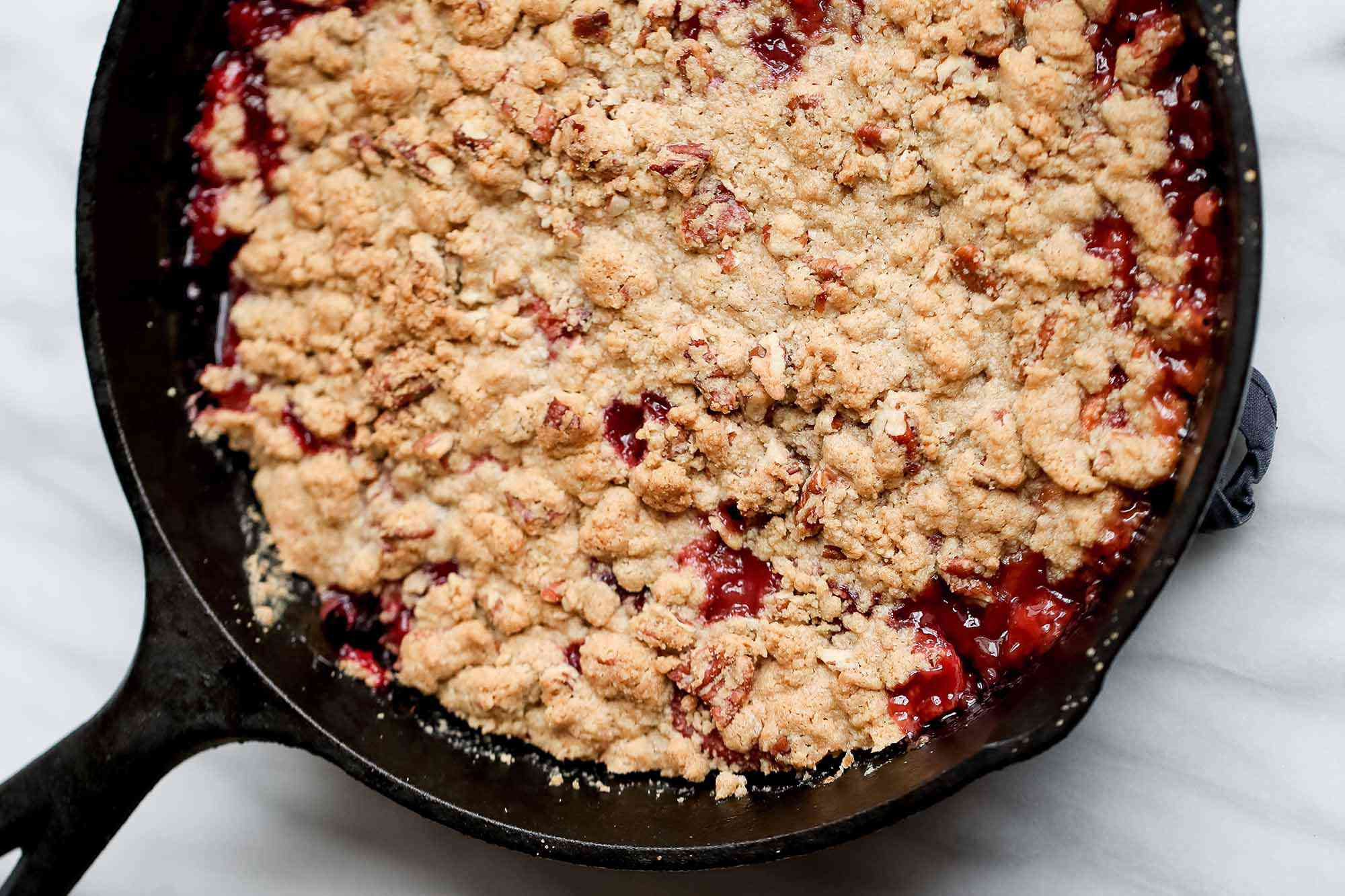 Peach crumble with ginger serve the crisp
