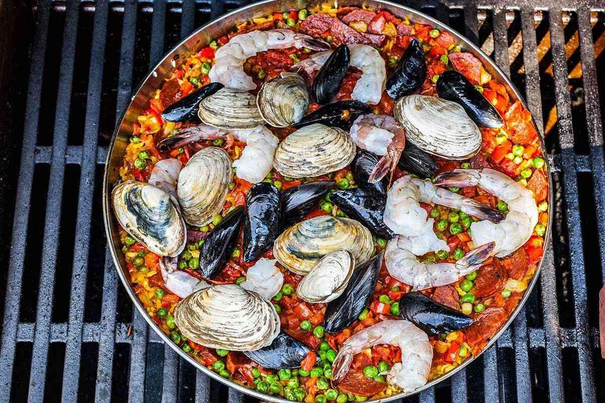 Seafood Paella with Rice recipe add the seafood