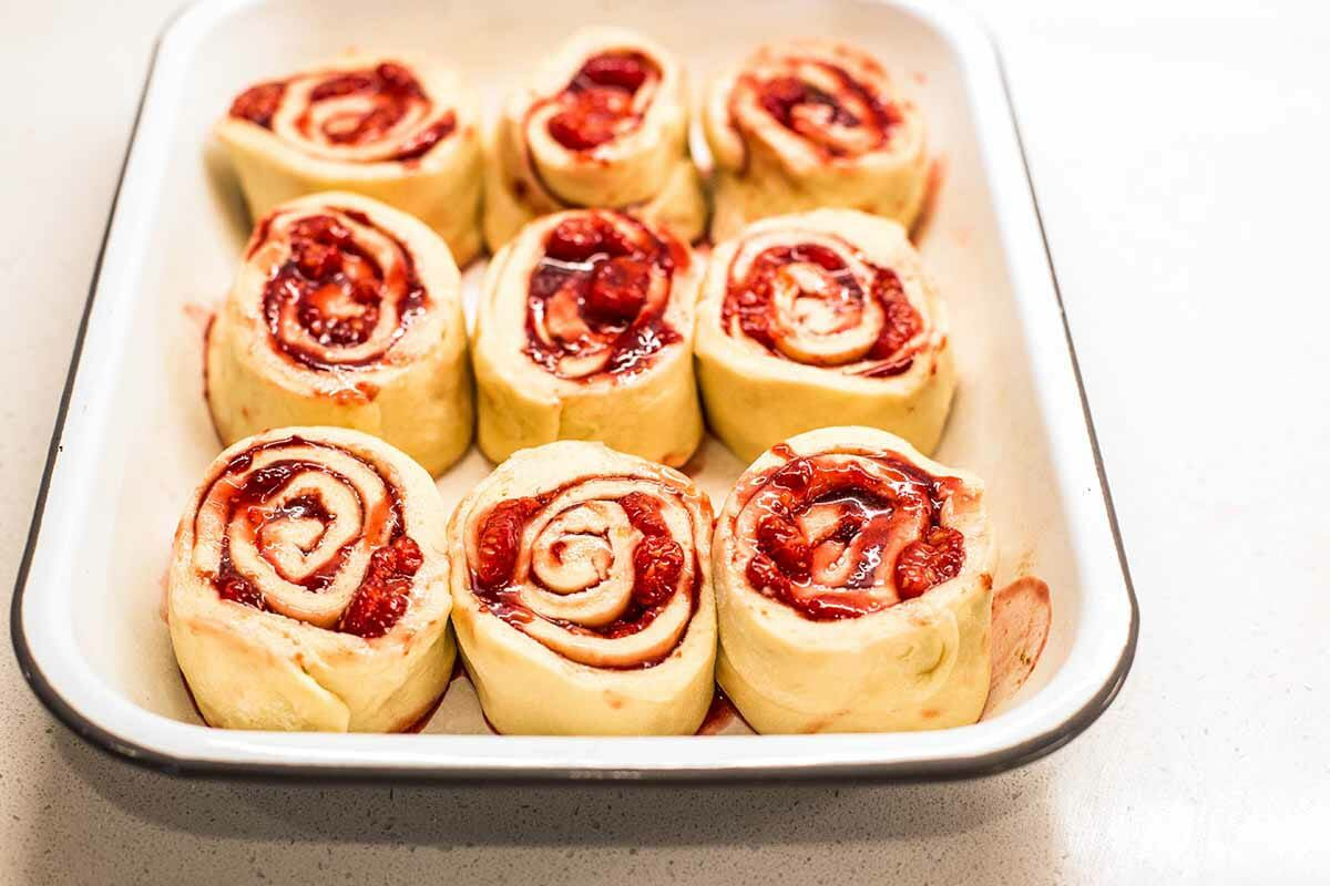 Sweet Rolls with Jam slice into nine pieces