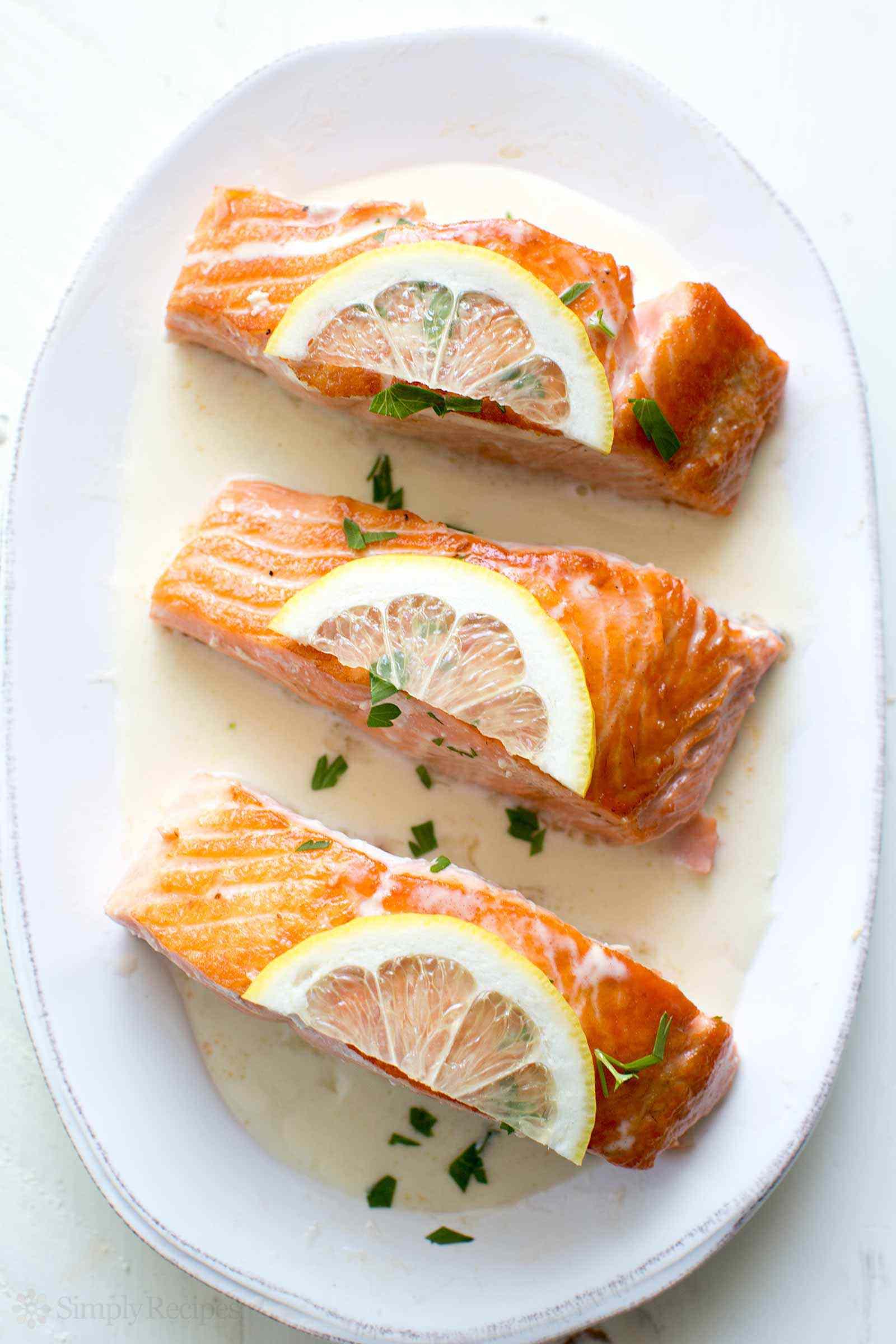 salmon-lemon-cream-sauce-vertical-b-1600