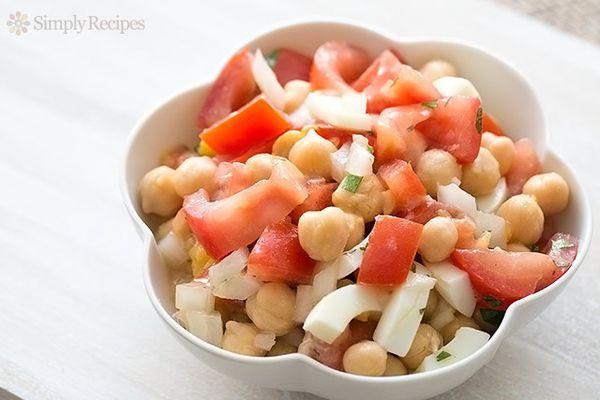 Tomato Garbanzo Bean Onion Salad