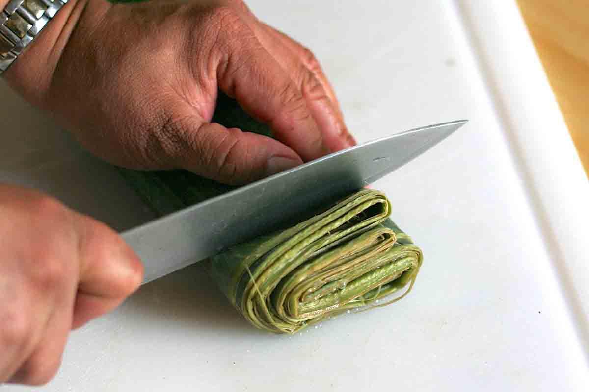 cutting edge off banana leaves