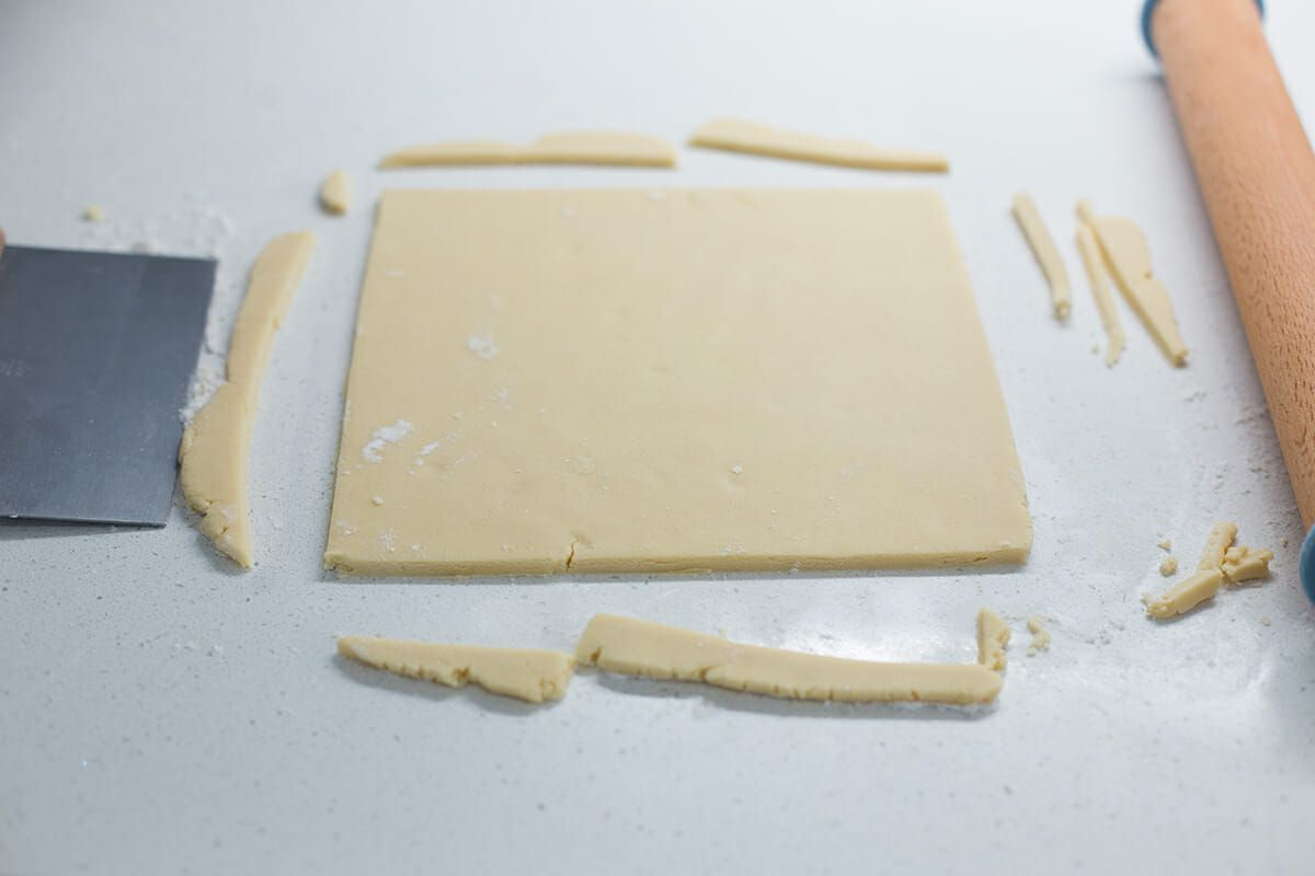 Alternatively, trim the edges of the cookie dough and cut the shortbread cookies into squares