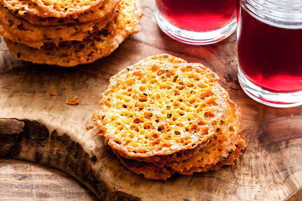 Golden Cheddar Cheese Crisps