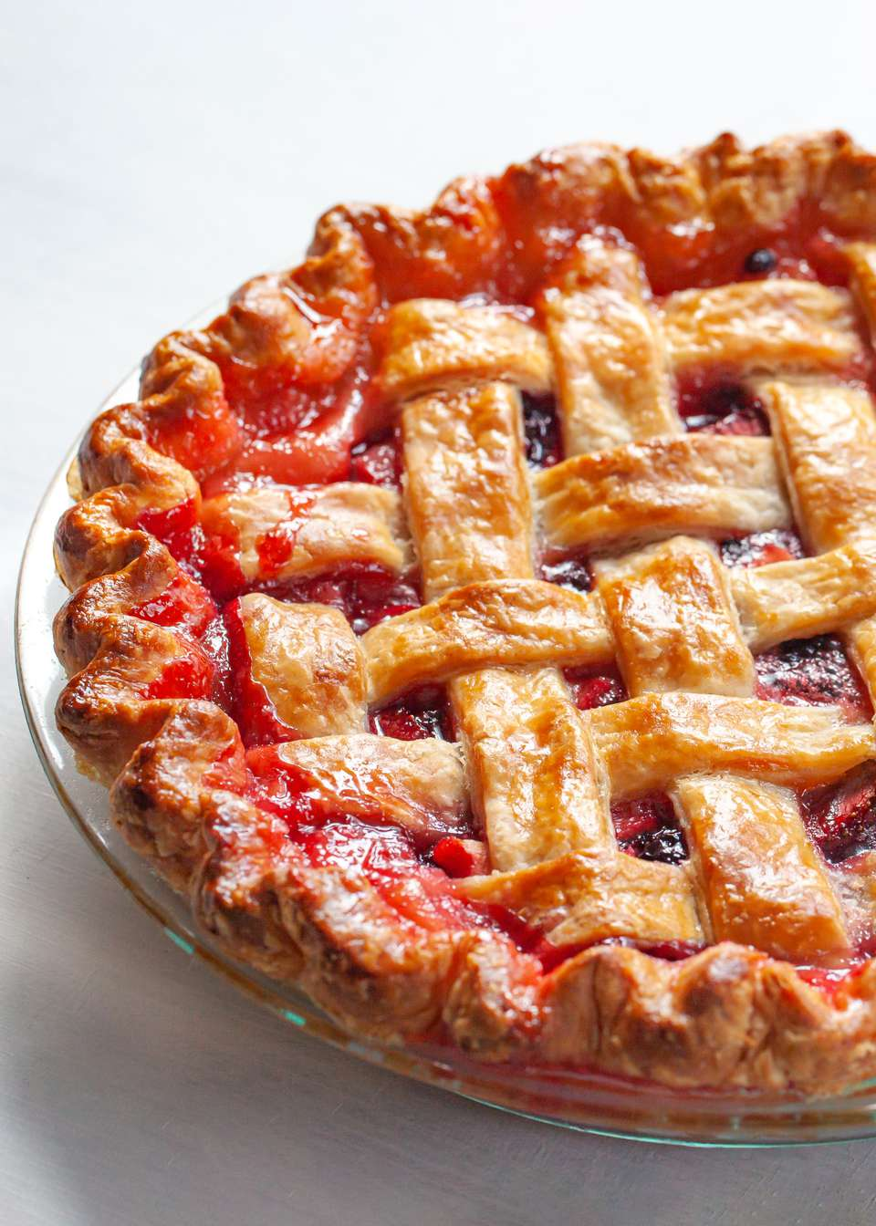 Side view of a lattice pie.