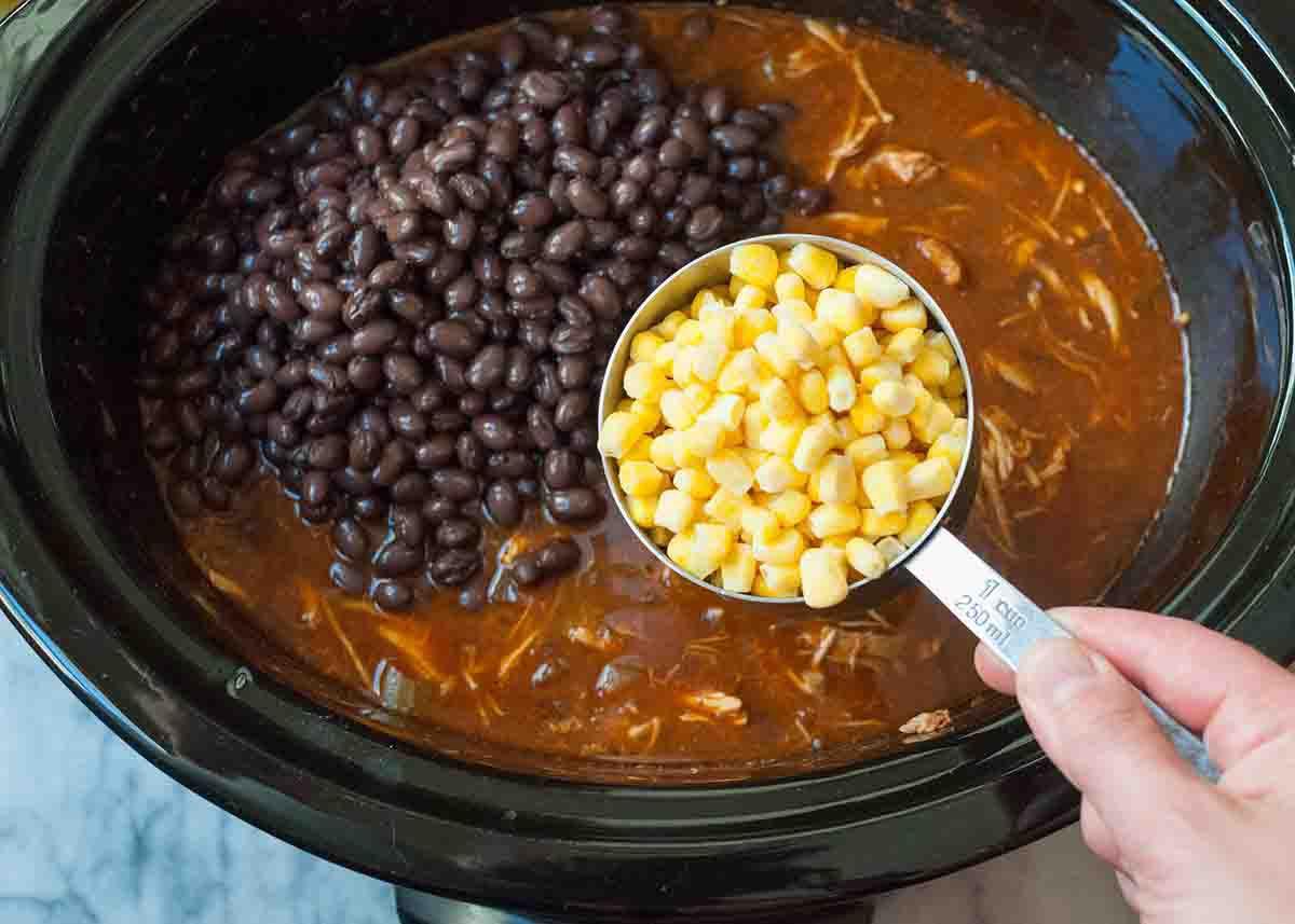 Easy Slow Cooker Chicken Chili Recipe