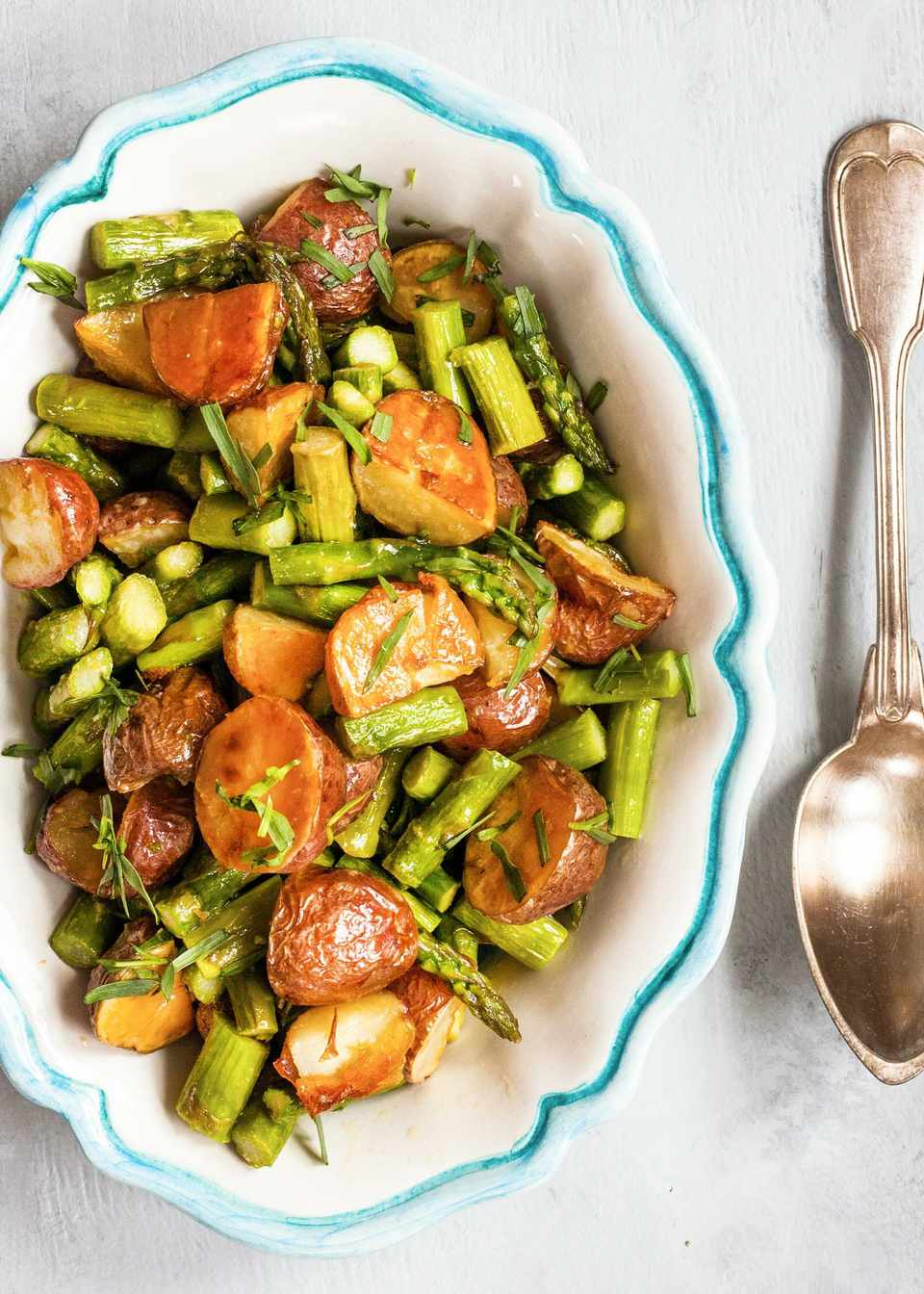 Asparagus with potatoes and recipe