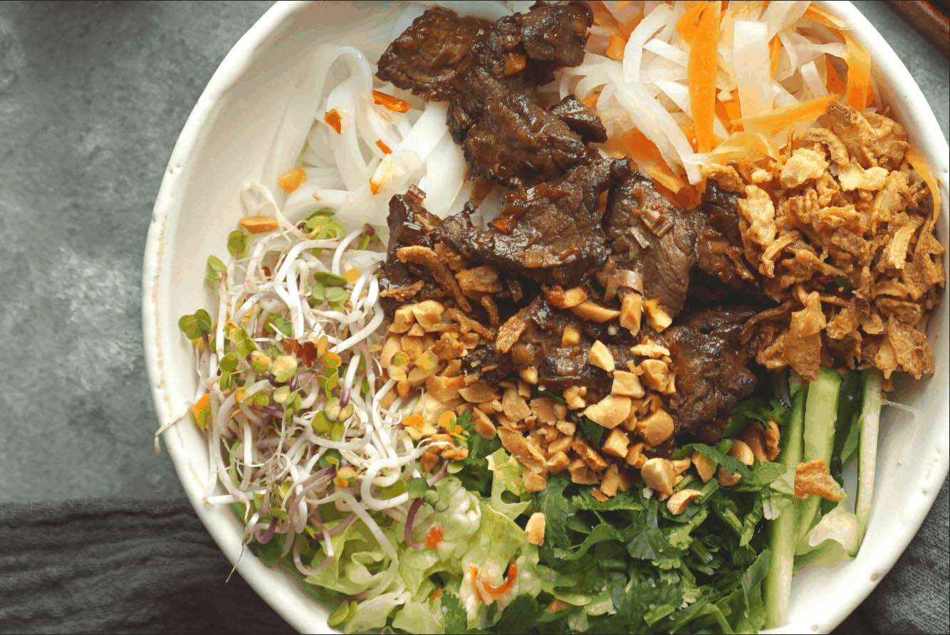 Lemongrass Beef Noodle Bowl