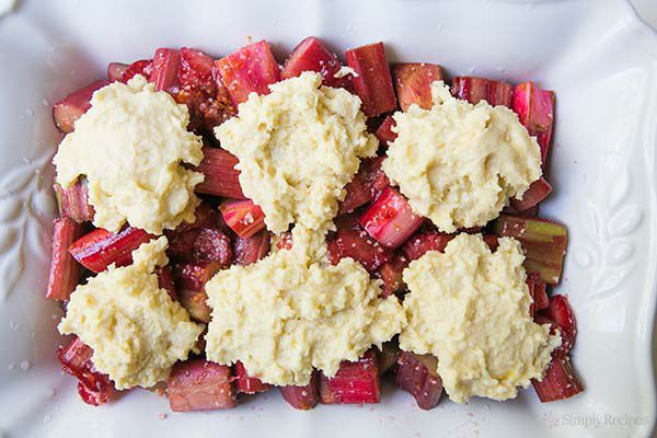 strawberry-rhubarb-cobbler-method-600-4
