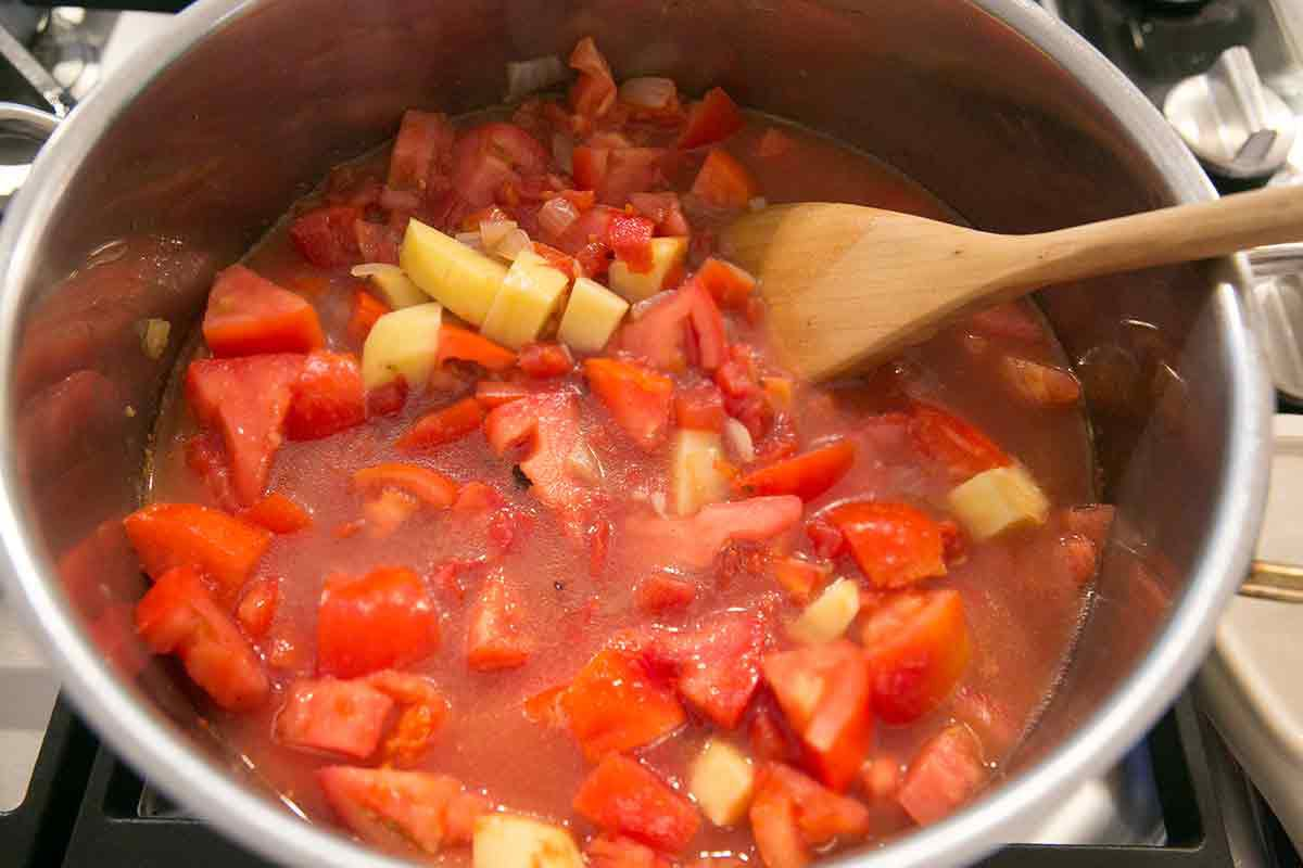 tomato-bean-bacon-soup-method-4