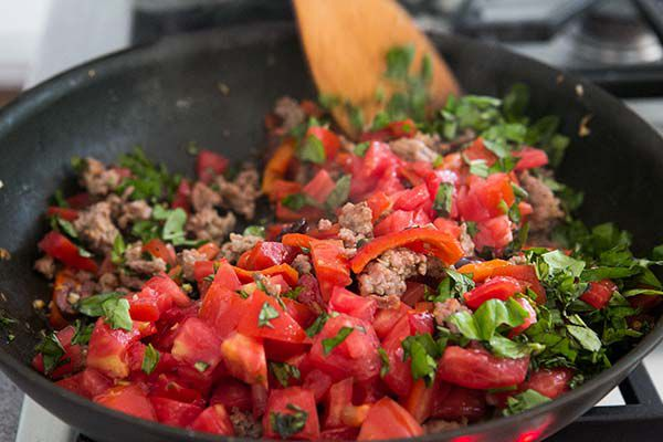 pasta-sausage-tomatoes-peppers-method-3