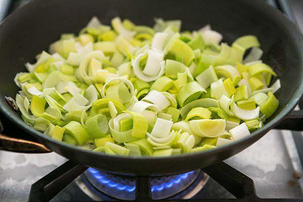 breakfast-casserole-leeks-asparagus-method-600-3