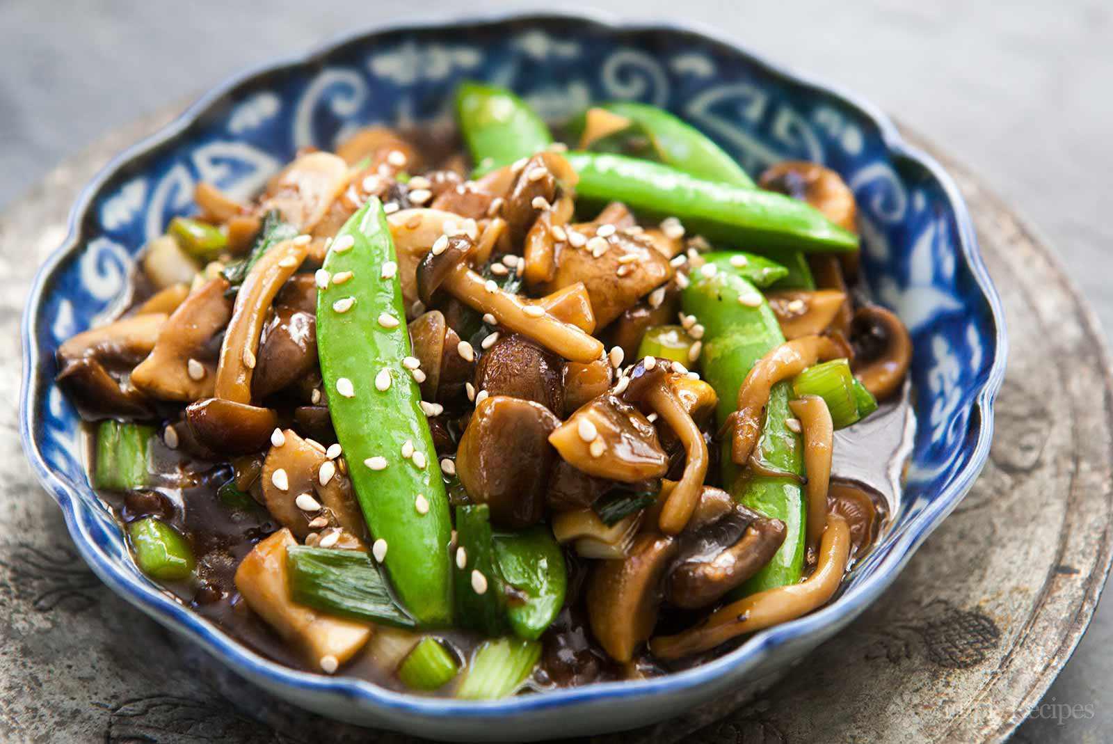 Mushroom Stir Fry with Peas and Green Onions