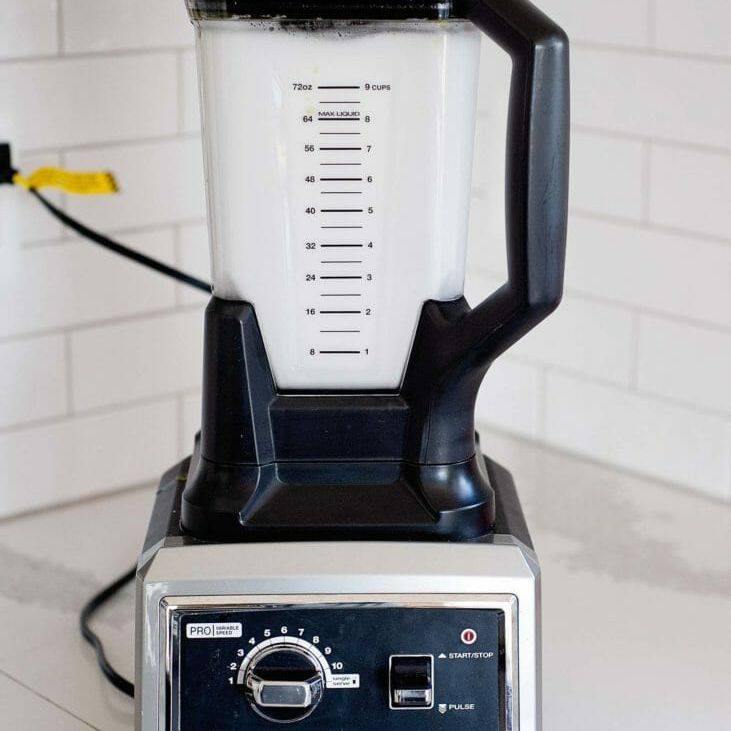 how to clean a high-speed blender