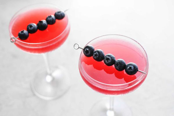 How To Make a Cosmo summer cocktail with blueberry and pomegranate