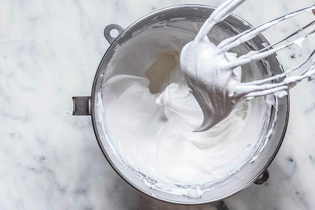 Easy Peach Dessert with Meringue make the meringue